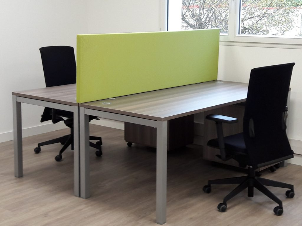 TEMPO Mobile, deskscreens fixed with double table clamp